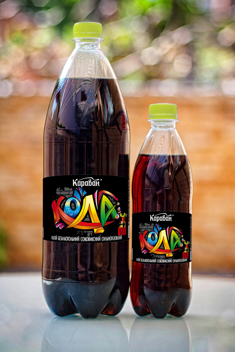 Non-alcoholic carbonated soft drink containing juice «Karavan Kola» 1.5l, 0.5l